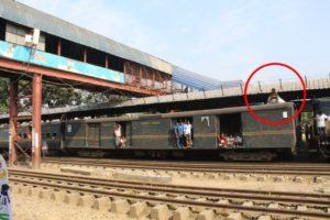 バングラデシュの電車の光景