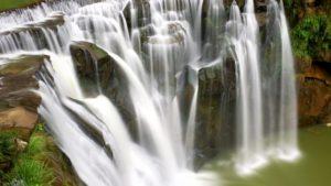 台湾のナイアガラと呼ばれる滝「十分瀑布」