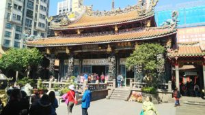 龍山寺は台北市内で最古の寺院